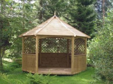 Eco-friendy garden design with a timber gazebo